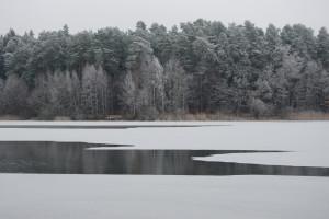 Zima nad jeziorem