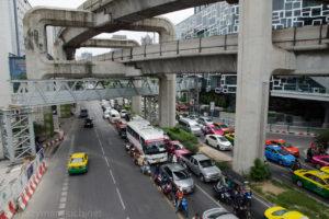 8h w Bangkoku